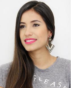 Maxi brinco prateado strass fumê Mariana Amaral