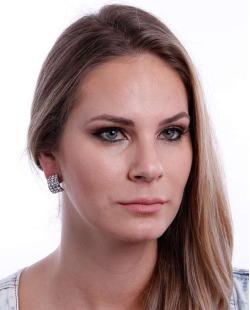 Brinco prateado e cristal Mariana Amaral