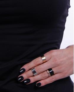Kit 6 anéis dourado, prateado e preto Irina