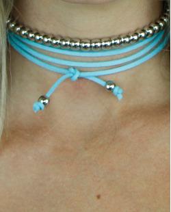 gargantilha azul e prateado trésor