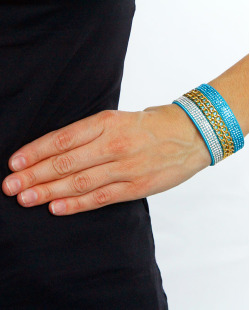 Pulseira azul, dourada e cristal Malakian