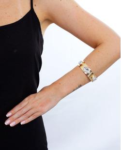 Bracelete dourado e cristal Jout