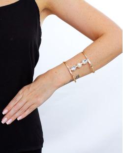 Bracelete dourado, cristal e perolado Nouveau