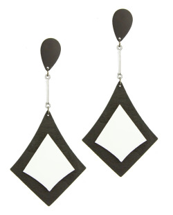 Maxi brinco triangular de acrílico preto e branco Ashilei