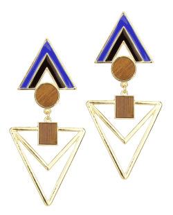 Maxi brinco dourado geométrico, acrílico azul e preto e madeira Floribela