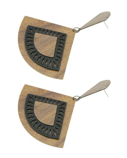 Maxi brinco de madeira com couro preto Delfim