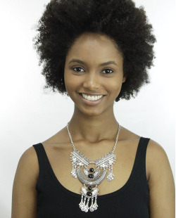 Maxi colar de metal prateado com pedra preta Tramore