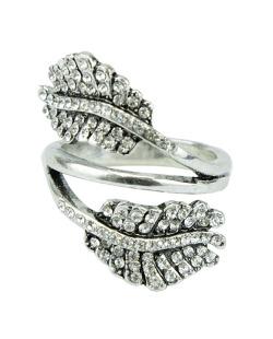 Anel de metal prateado com strass cristal Gondar