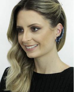 Ear cuff de metal preto com strass azul Solna