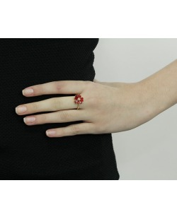 Anel de metal dourado com strass vermelho Vevey