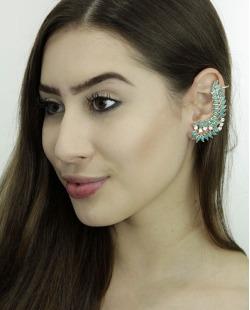 Ear Cuff de metal dourado com strass cristal e pedra turquesa Eduarda