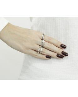 Kit com 5 anéis prateados e pedra cristal Lavyneaw