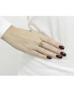 Anel de metal dourado com pedra verde Cartagena