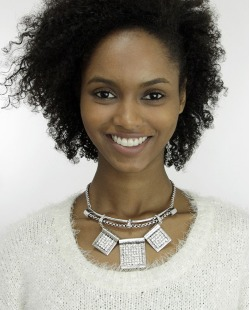 Maxi colar de metal prateado com strass cristal Moshi