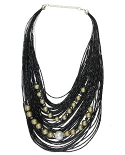 Maxi colar preto com miçangas vinil Liberia