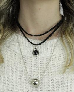 Gargantilha choker preta e prateada com pedra preta Kongz