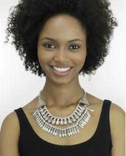 Maxi colar de metal prateado com strass cristal Khand