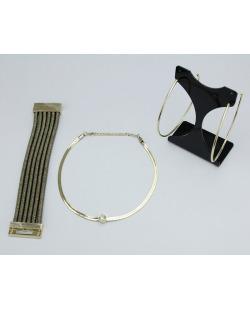 Conjunto Dourado | 1 maxi brinco + 1 colar + 1 pulseira