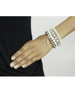 Kit 4 pulseiras de metal e acrílico prateado e branco Belgrado