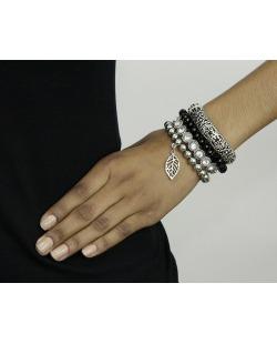 Kit 4 pulseiras de metal e acrílico prateado, preto e cristal Sombor