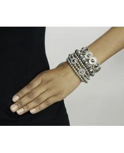 Kit 5 pulseiras de metal e acrílico prateado e grafite Jacka