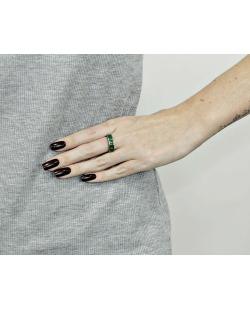 Anel de metal grafite com strass verde Jenny