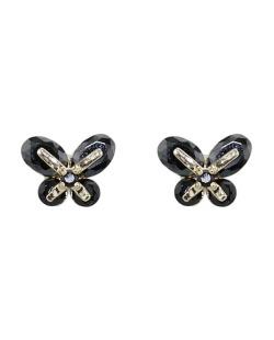 Brinco pequeno de metal dourado com strass preto Butterfly