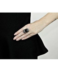 Anel de metal prateado com pedra preta Jewelry