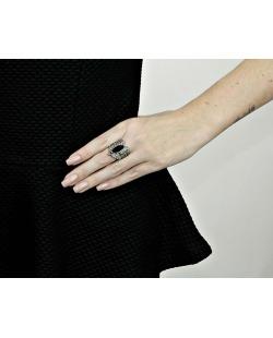 Anel de metal grafite com strass fumê e pedra preta Laura