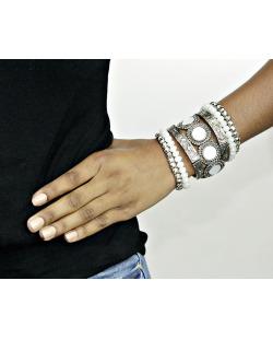 Kit 7 pulseiras de metal prateado com pedra branca Melrose