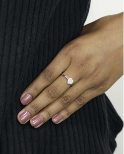Anel de metal prateado com strass cristal e pedra rosa claro Namper