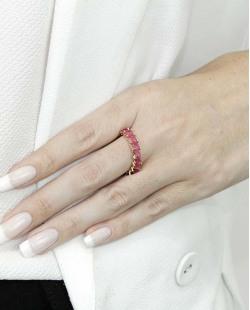 Anel de metal dourado com pedra rosa Pétionvi