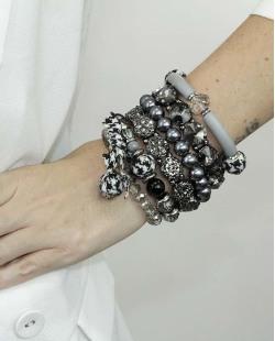 Kit de 6 pulseiras de acrílico cinza, fumê e preto Koradi