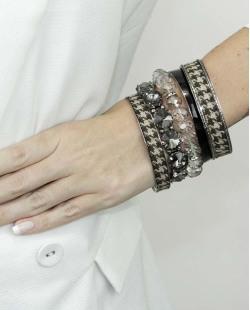 Kit de 5 pulseiras de metal e acrílico marrom preto e fumê Obuasi