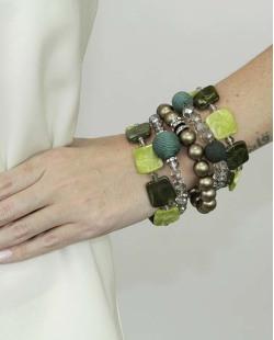 Kit de 5 pulseiras de acrílico verde e dourado Escuine