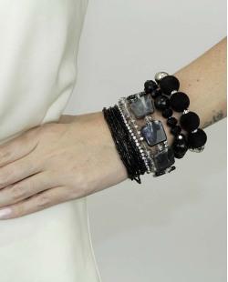 Kit de 7 pulseiras de acrílico prateada e preta Amatila