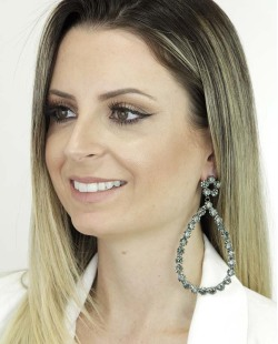 Maxi brinco de metal grafite com strass fumê Views