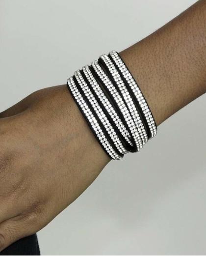 Pulseira de courino preta com strass cristal Lion