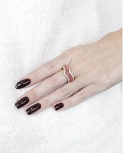 Anel de metal dourado com pedra rosa pink e strass cristal Fields