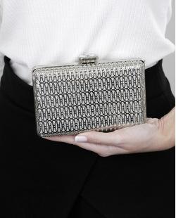 Bolsa de mão clutch de metal prateada Naratai