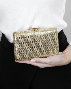 Bolsa de mão clutch de metal dourada Naratai