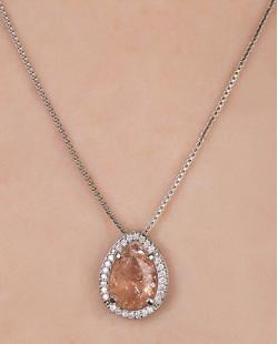 Colar de metal prateado com pedra fusion rosé Thoys