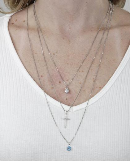 Kit 3 colares de metal prateado com pedra e strass cristal Vahne