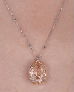 Colar folheado de metal prateado com pedra fusion rosé Cora