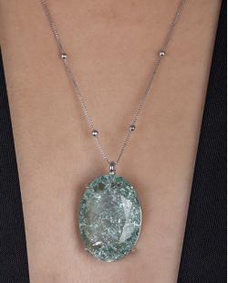 Colar folheado de metal prateado com pedra fusion verde água Dri