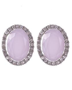 Brinco pequeno de metal prateado com pedra rosa e strass cristal Lavie