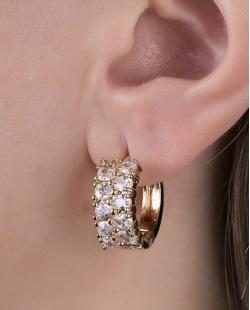 Brinco de argola dourado com pedra cristal Labres