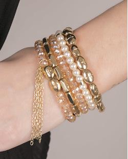 Kit de 5 pulseiras de acrílico dourado com pérola Denver