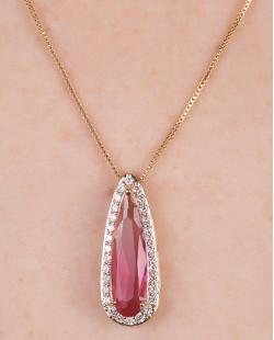 Colar de metal dourado com pedra rainbow rosa Lagum