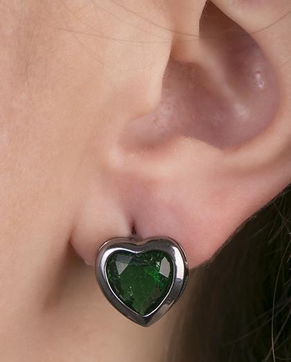 Brinco pequeno de metal grafite com pedra fusion verde Sevila
